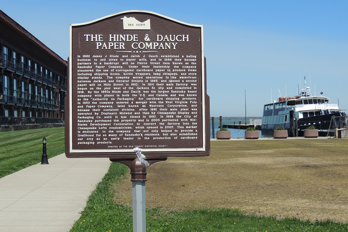 Hinde & Dauch Paper Company Marker - Erie County Ohio Historical Society